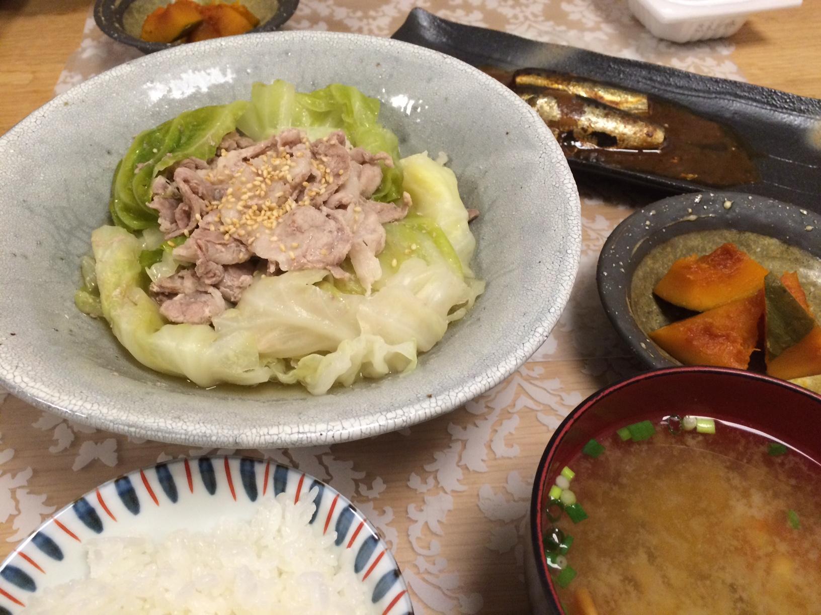 豚バラ肉とキャベツのスープ煮